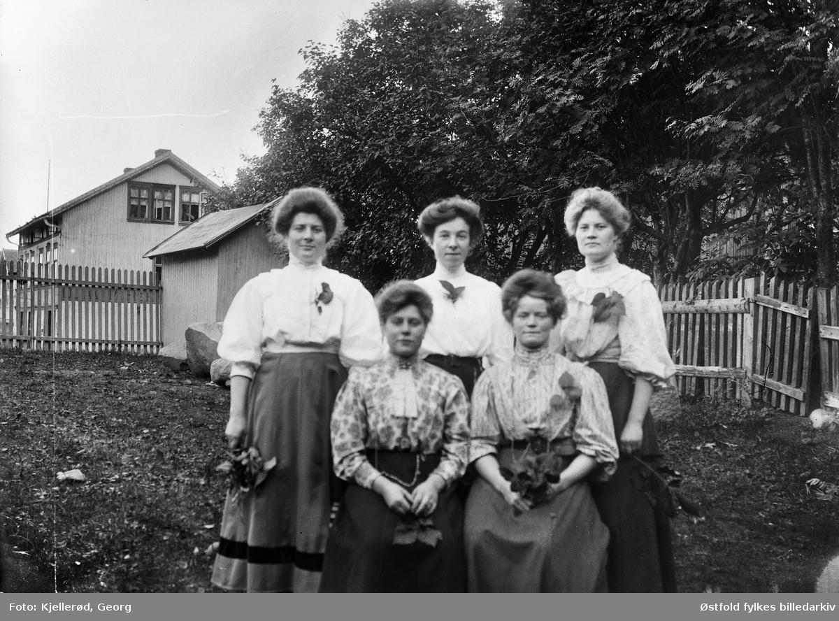 Løten eller Gjøvik? Fem kvinner, ukjente.