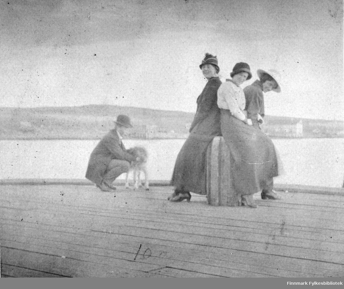 På dampkibskaien i Vadsø 1916