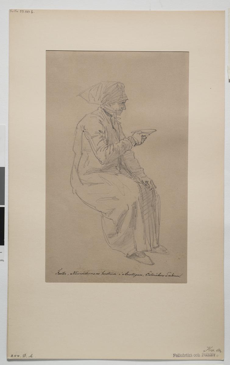 """Teckning av  J.W Wallander med påskiriften:  """"Faster, Nämndemans hustrun i Arstugan, Östersåkers socken.""""  Kvinnodräkt, Södermanland. Relaterade objekt skissbok invnr. 57337B"""