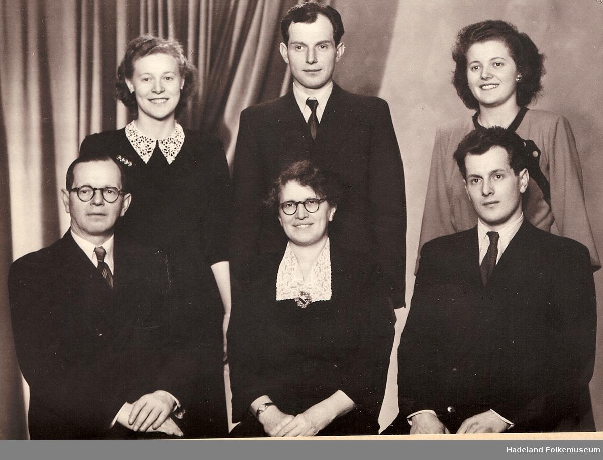 Familien Sterud på Marka Pensjonat i 1950.