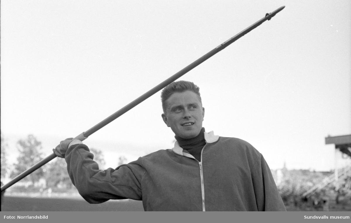Distriktsmästerskap i friidrott i Idrottsparken.