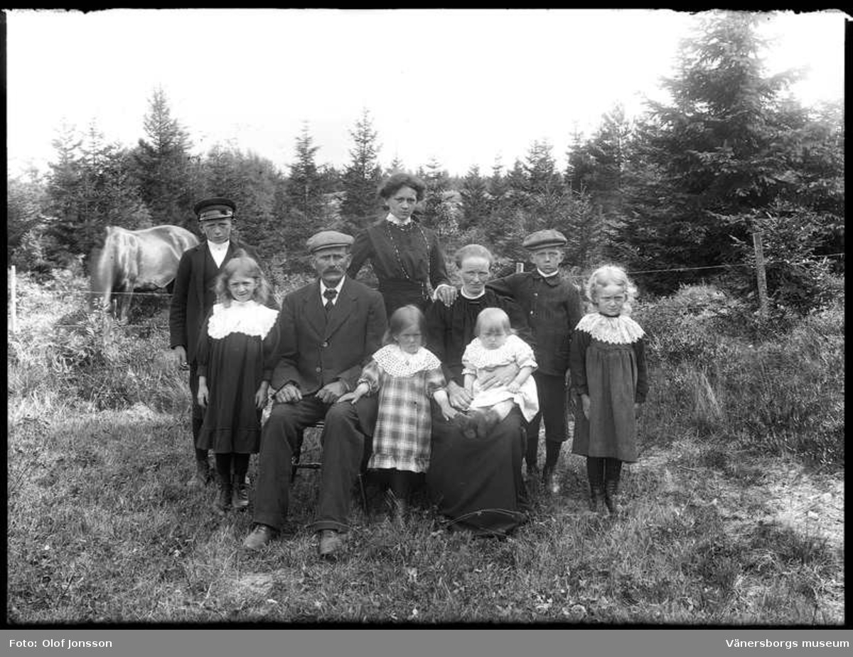 Familjen Teodor Berntsson Bjrn i Brten den 14 juli 1912