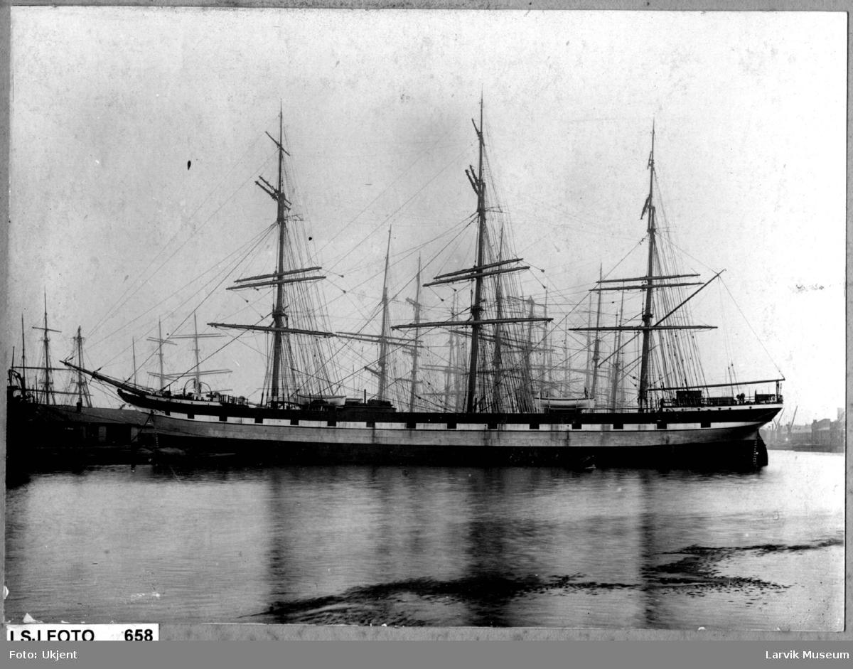 "fartøy, seilskip, fullrigger ""Derwent"" av Larvik"