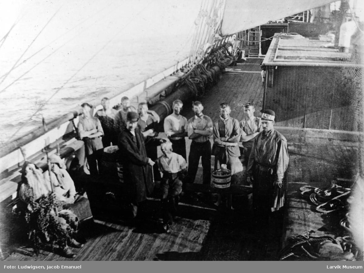 Mannskapsbilde, linjedåp ombord på fullrigger Ingrid av Larvik