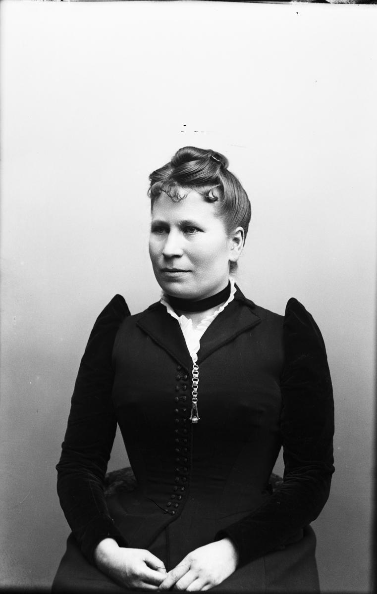 Rika Hansson,  Sömmerska  Vänersborg