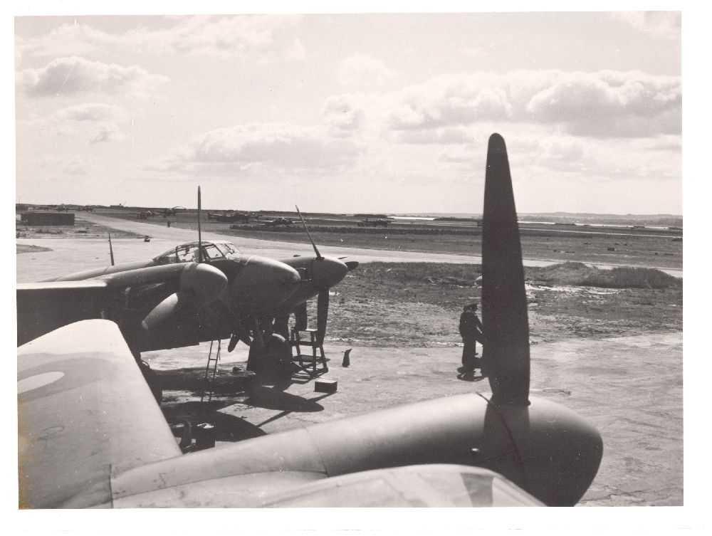 To fly på bakken. De Havilland Mosquito F Mk.II