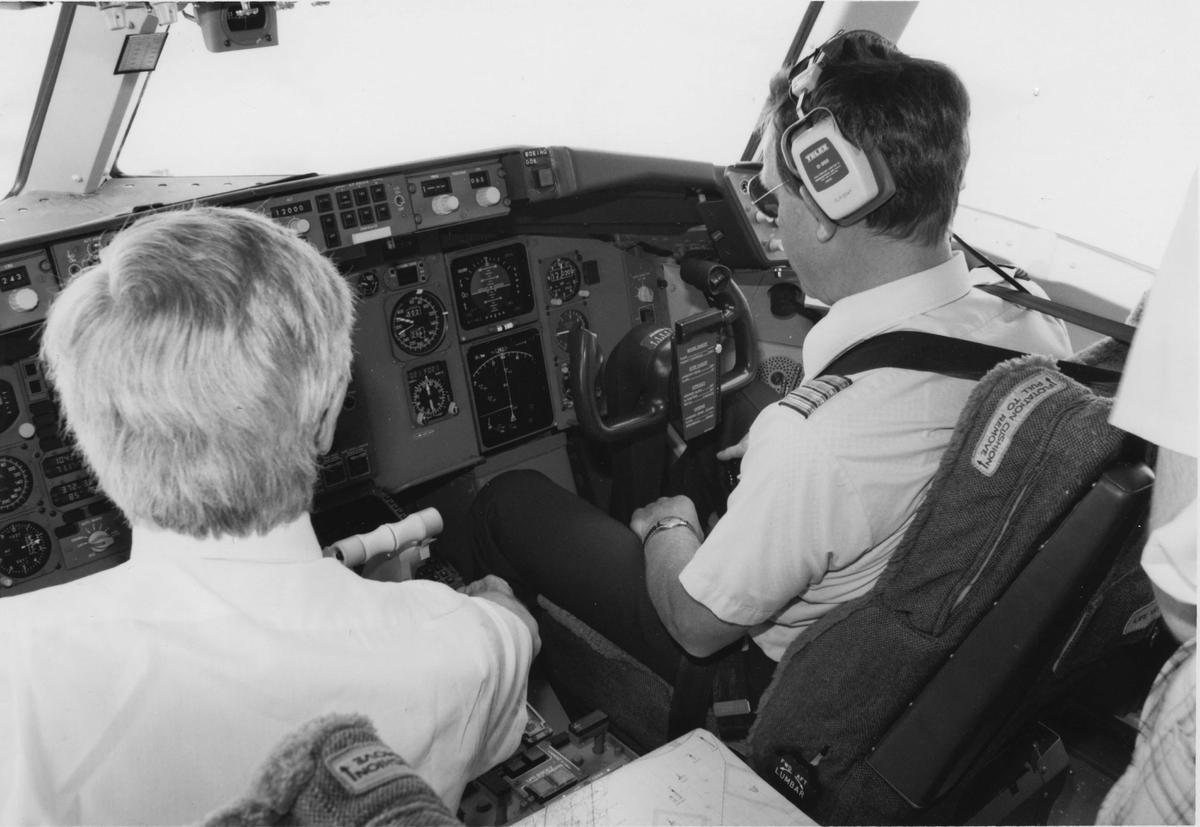 To piloter i cockpit. Boeing 767.