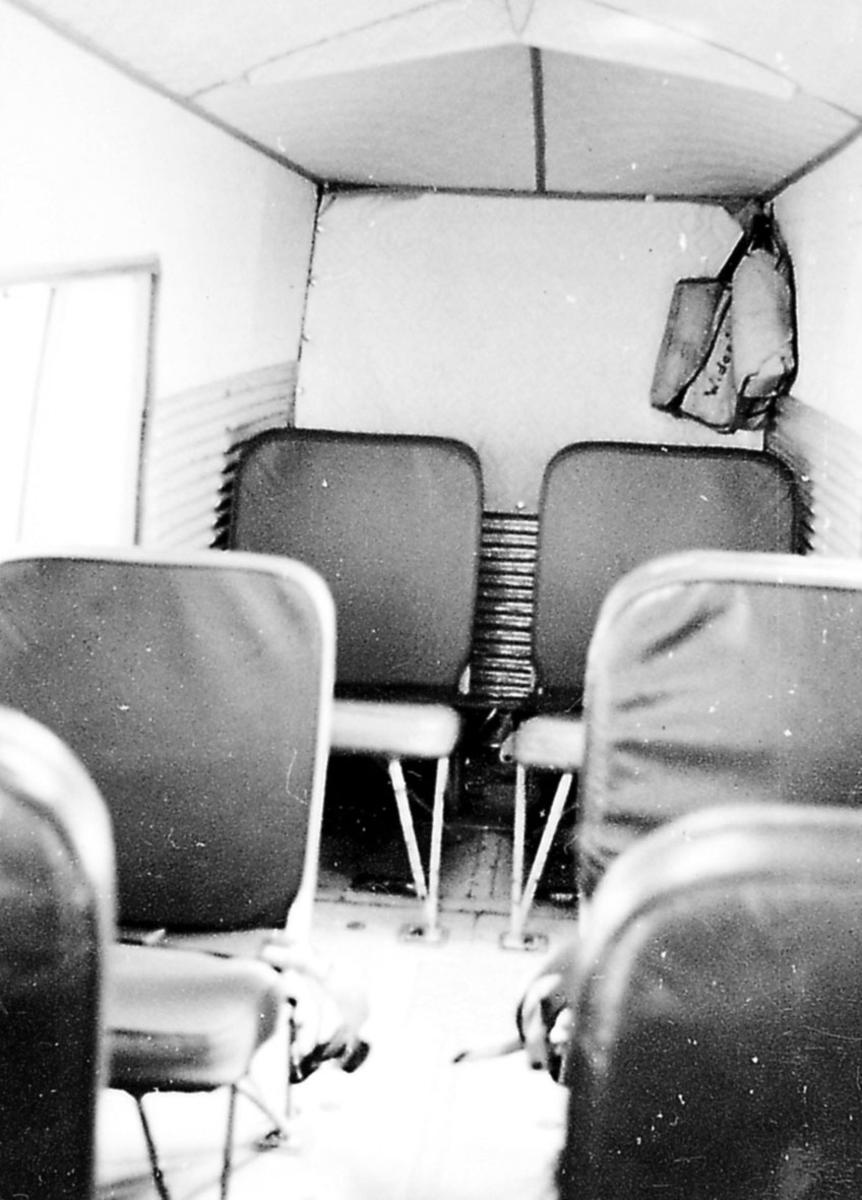 Flycabin sett fra midtgangen.