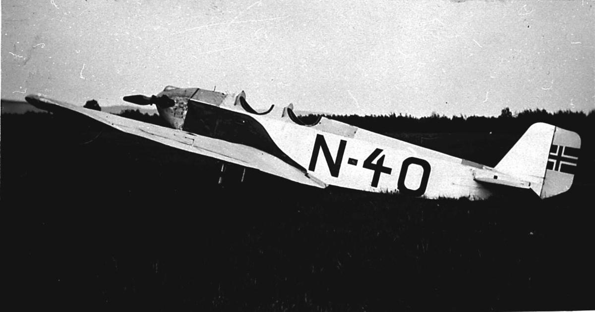 1 fly på bakken, Klemm DL.20B-1 fra Leif Lier & Steen A/S.