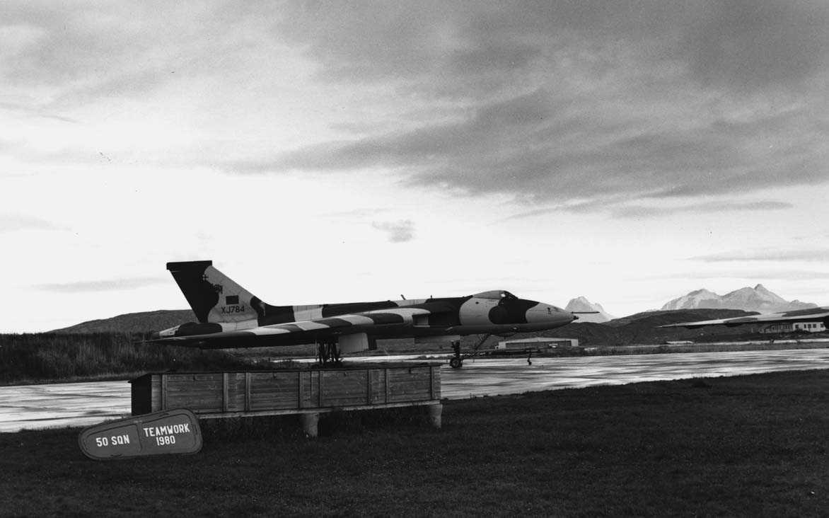 Lufthavn-flyplass    En Hawker Sddeley Vulcan B.Mk 2 . i Bodø