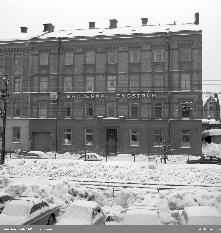 Bröderna Engströms El, Exteriörbild av fastigheten på Södra Järnvägsgatan 13.