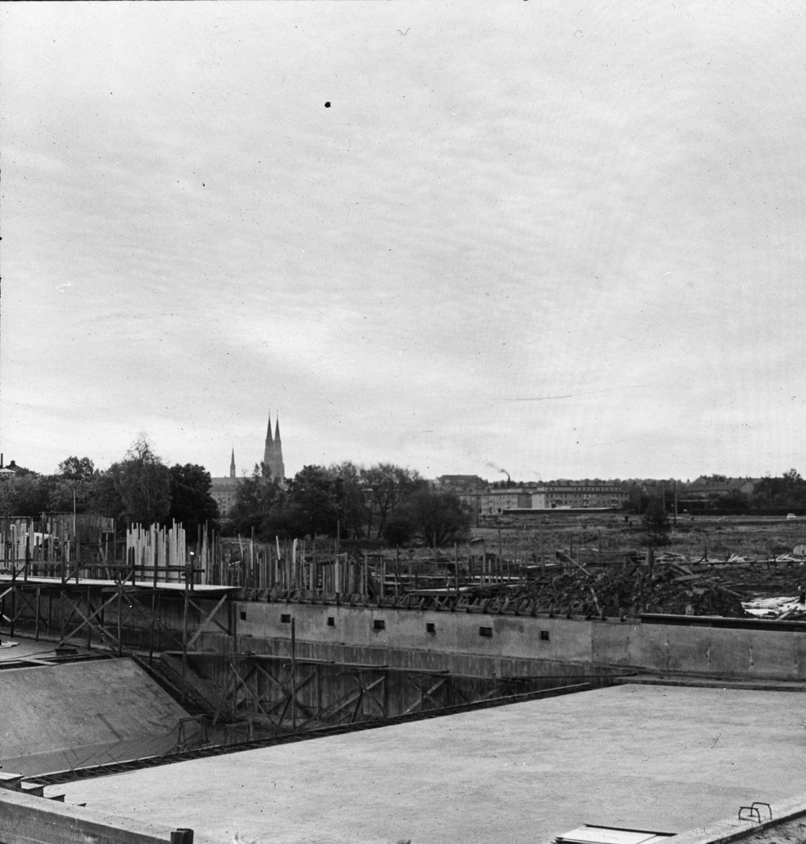 Fyrishallen under uppförande, kvarteret Starkodder, Svartbäcken, Uppsala 1960-tal