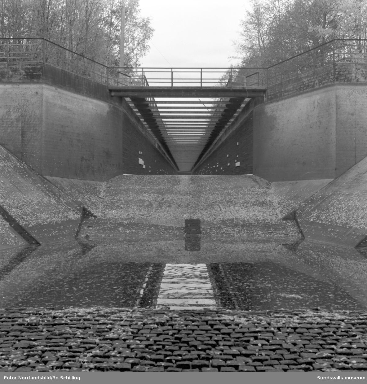 Tappning och torrläggning av Ringdalens kraftstation i Alby, Ånge.