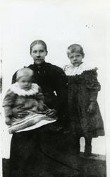 Lydia, Henny og Agnes Simle