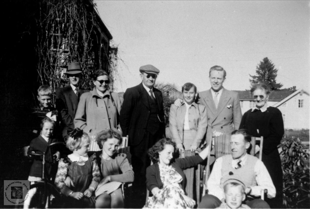 Familiegruppe på Øyslebø