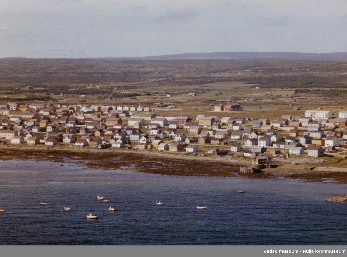 Flyfoto av Vadsø, Midtbyen, 1963.