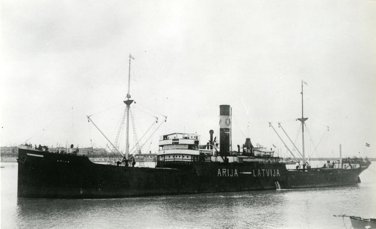Ägare:/1932-40/: J. Zalcmanis, K. Jansons & J. Freimanis. Hemort: Riga.