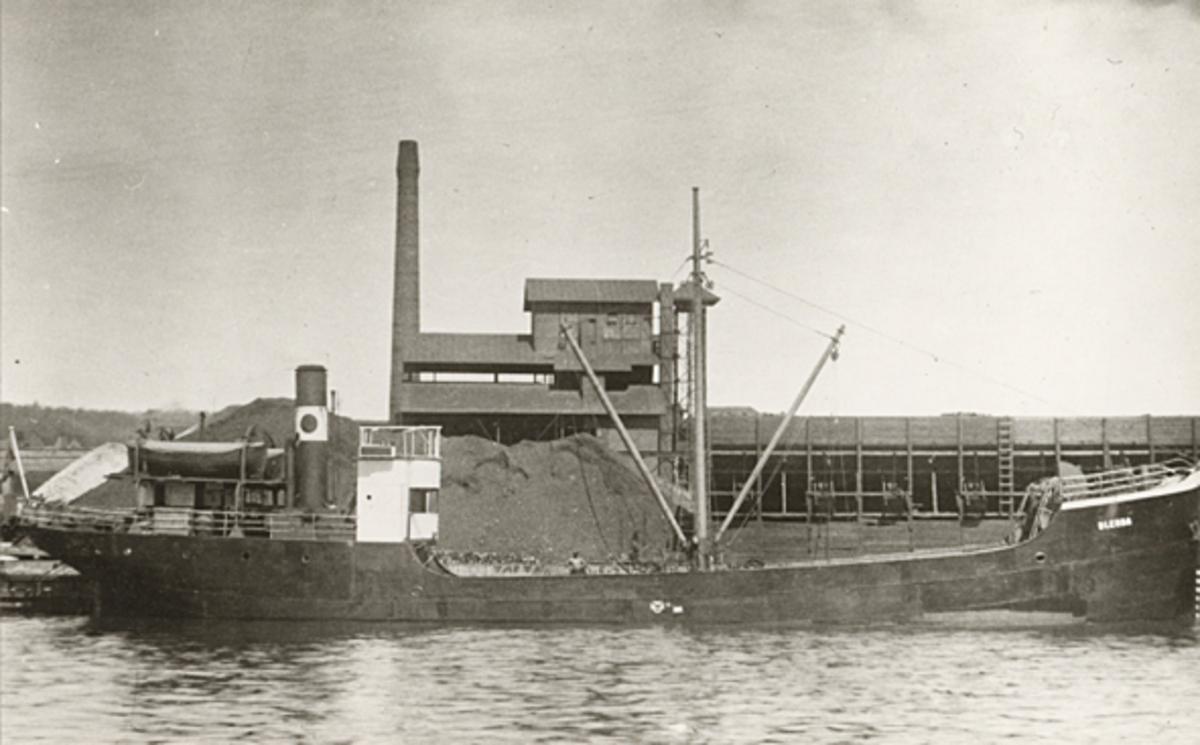S/S BLENDA omkring år 1935.