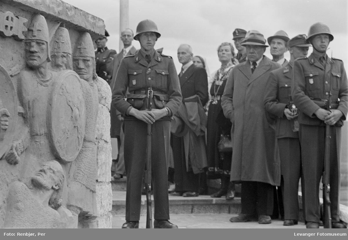 Fra Nasjonal Samlings stevne, riksmøte, på Stiklestad 1944.
