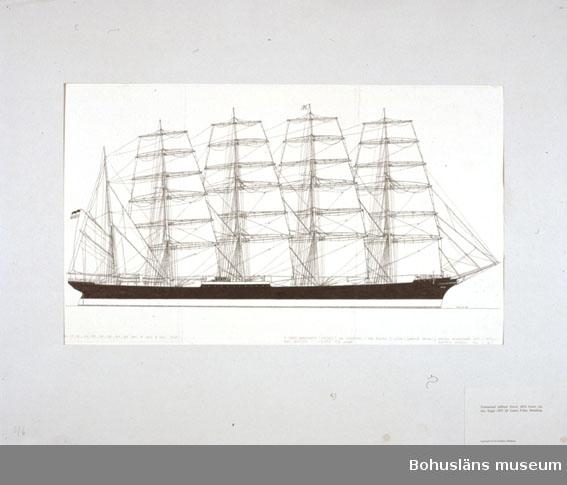 Montering/ram: Passepartout av tunn grå kartong; 55 x 66 cm, Femmastad stålbark Potosi, 4026 brutto registerton, byggd 1895 för Laeisz P-line, Hamburg. Övrig historik se UM72.26.001.