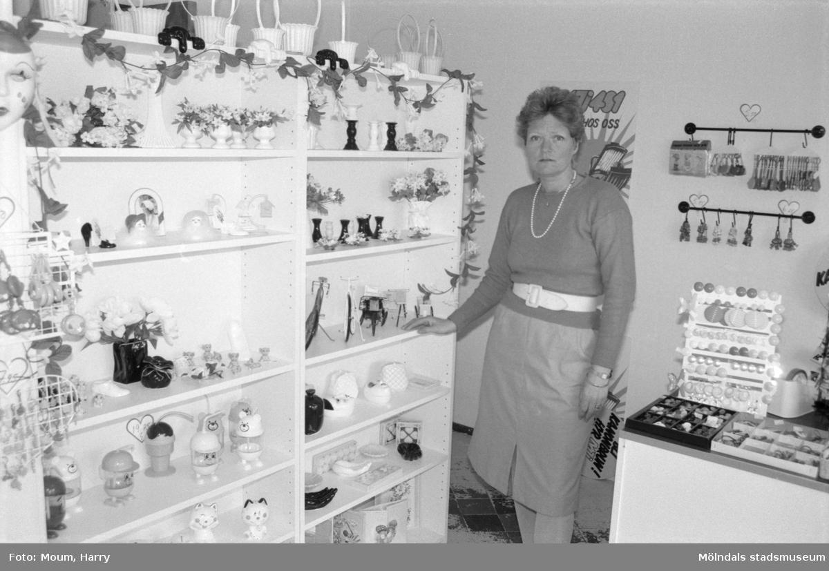 Centrum-Frukt i Kållered breddar sitt sortiment, år 1985.  För mer information om bilden se under tilläggsinformation.