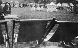 Fra en danseoppvisning i en park i England sommeren 1933.