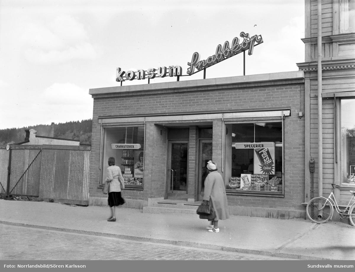Konsumbutik på Storgatan 60. Längst till höger skymtar Öhmans affär.