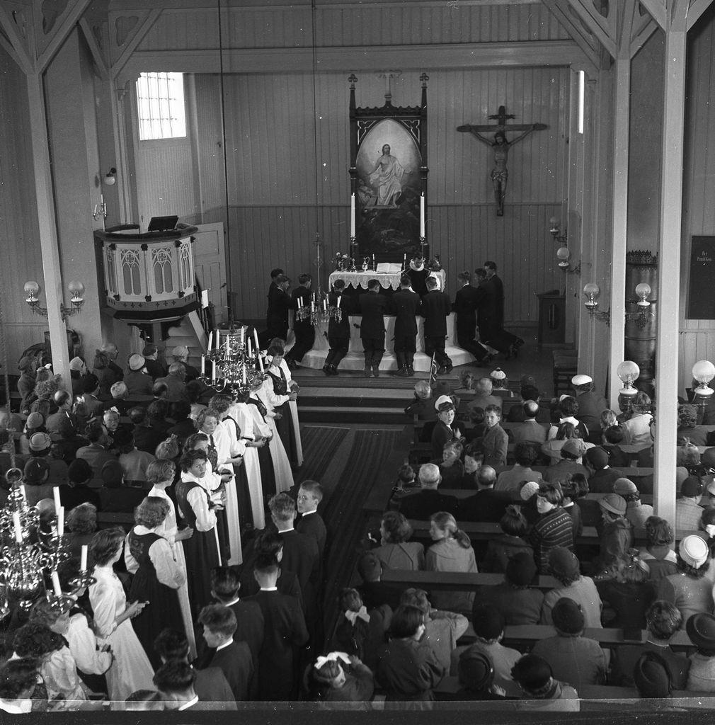 Konfirmasjonen i Andenes kirke 5.juli 1957.