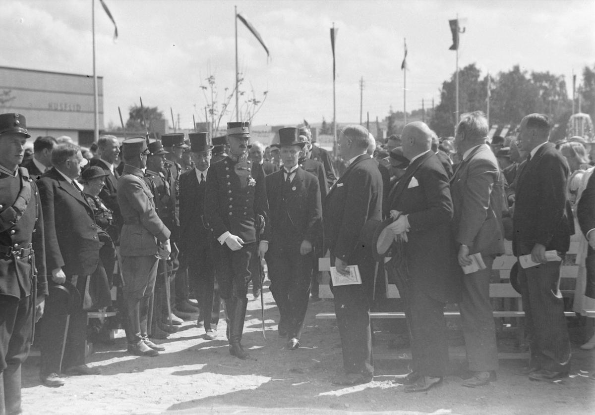 Jubileumsutstillingen i Levanger 1936 - kong Haakon på utstillingen