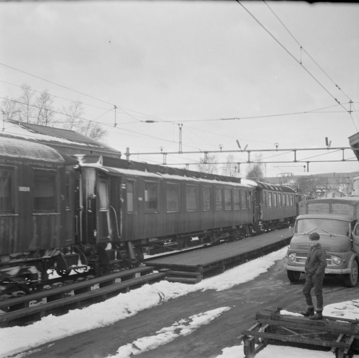 Persontog fra Charlottenberg/Kongsvinger til Oslo Ø på Sørumsand stasjon.
