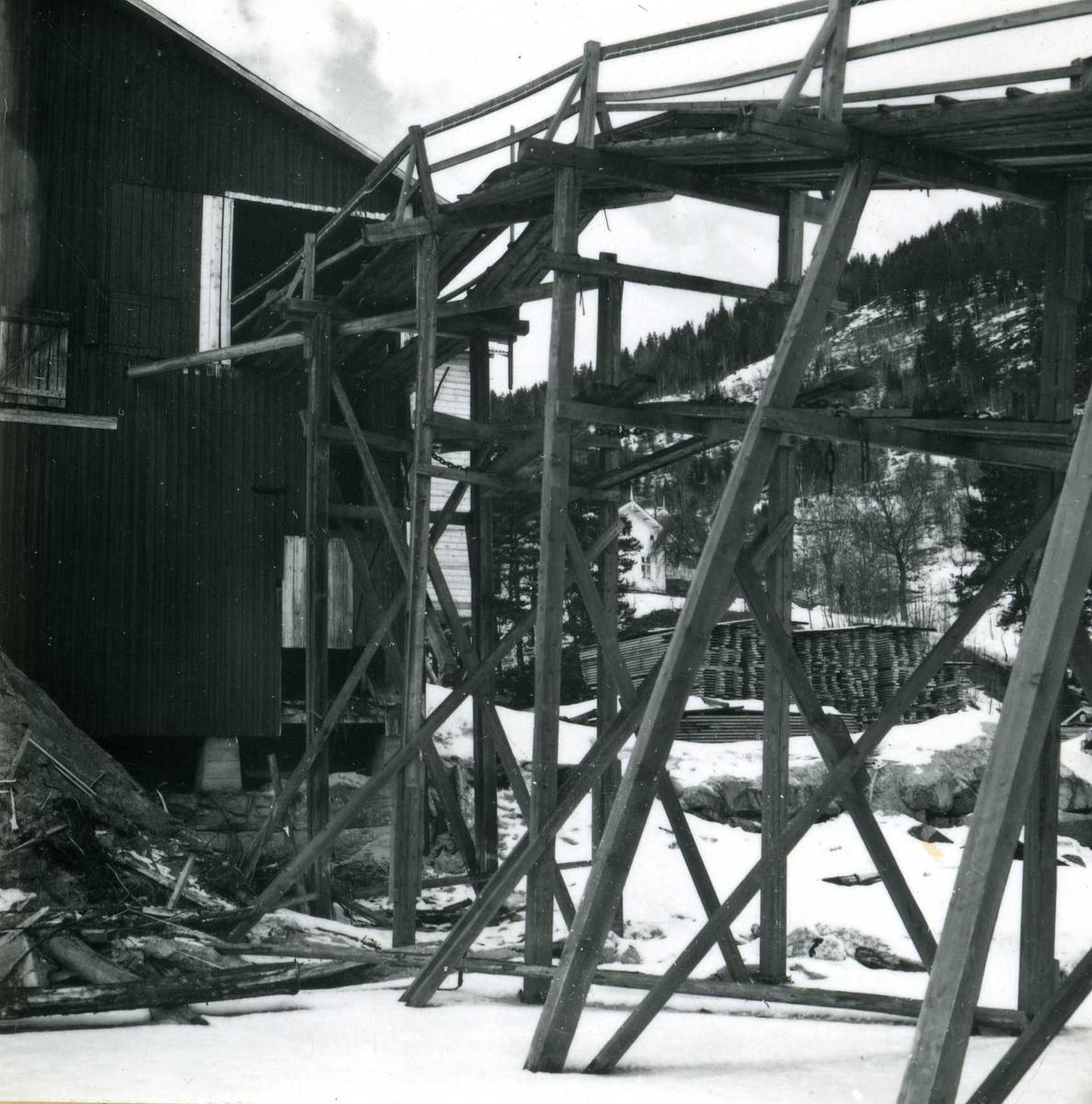Eiendoms og byggningsforvaltning  (44)