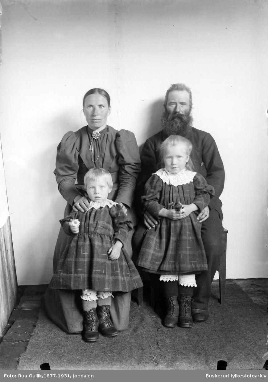 Erik Østerud m/fam. Eiker 1898