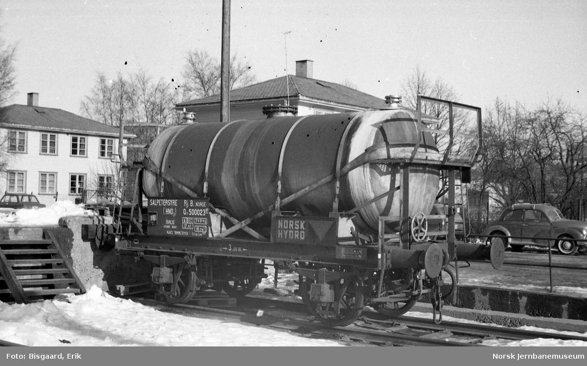 Rjukanbanens tankvogn litra Q3 nr. 500023 på Ski stasjon