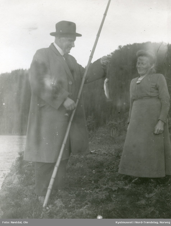 ? Sæther og Anna Sandvold på fisketur