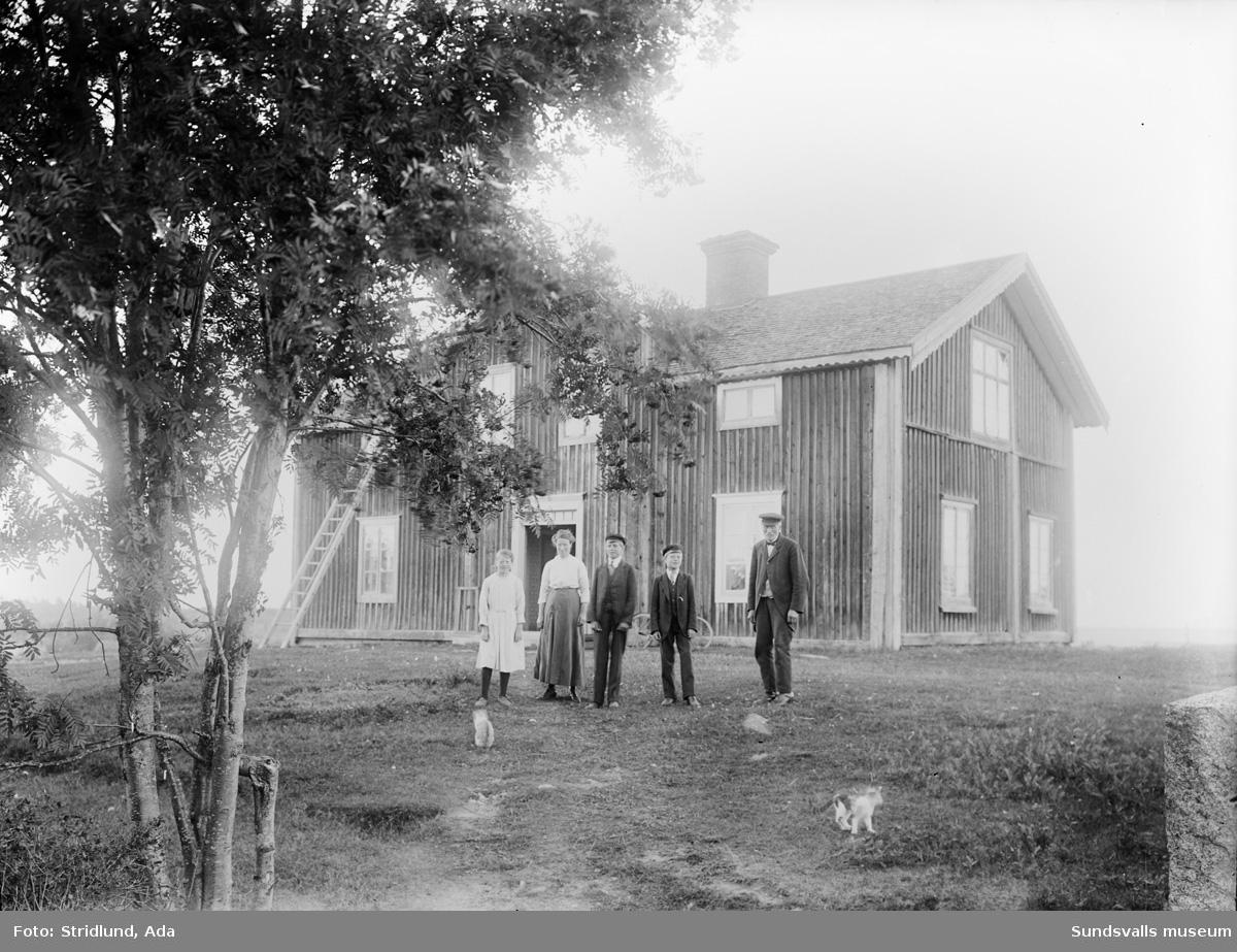 Lustgården, Säter. Hellströms. Dottern Edla, Sönerna Ernst, Evert och Gunnar Hellström.