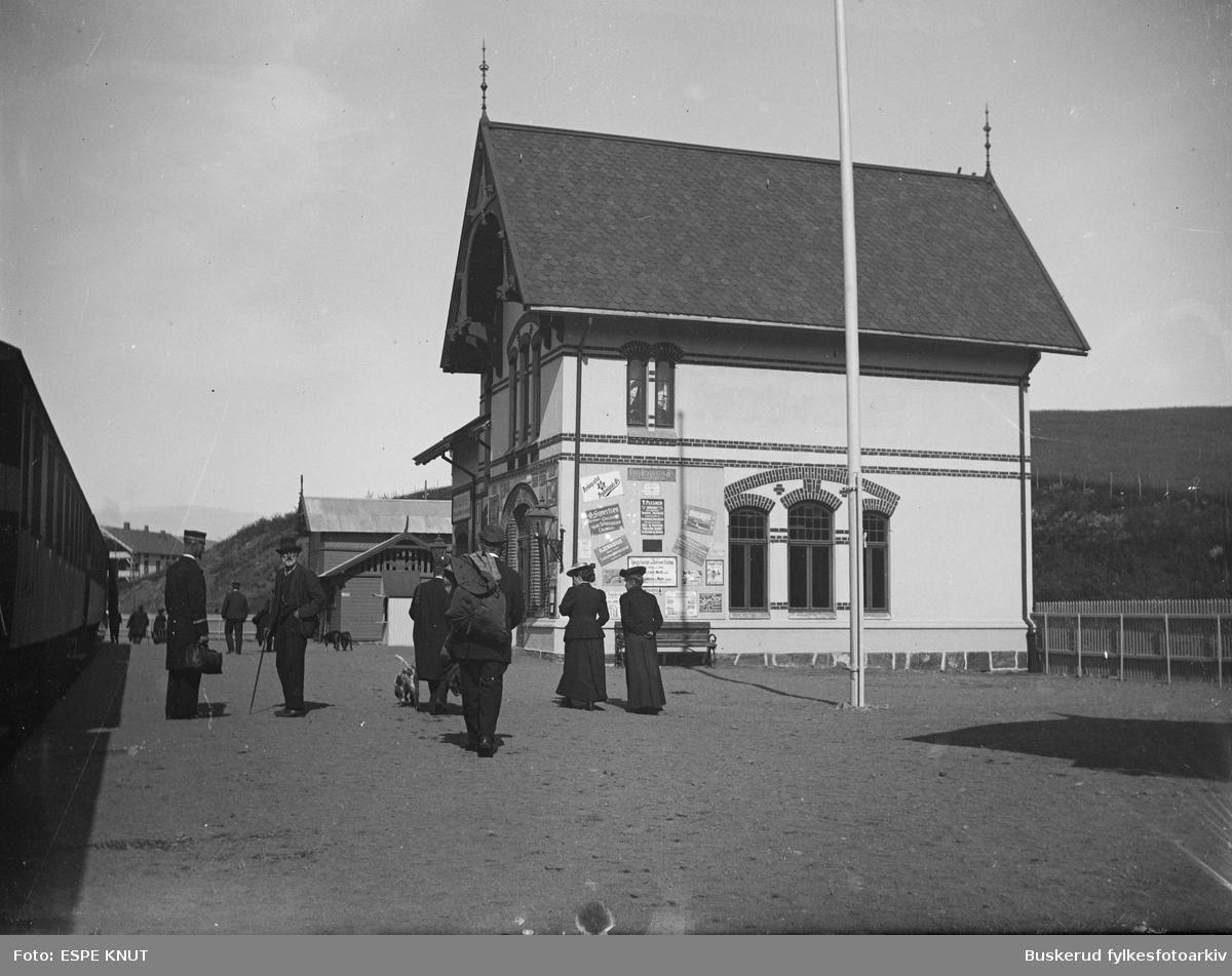 Røykenvik stasjon, endestasjon på Røykenvikbanen. Gran kommune, Oppland.