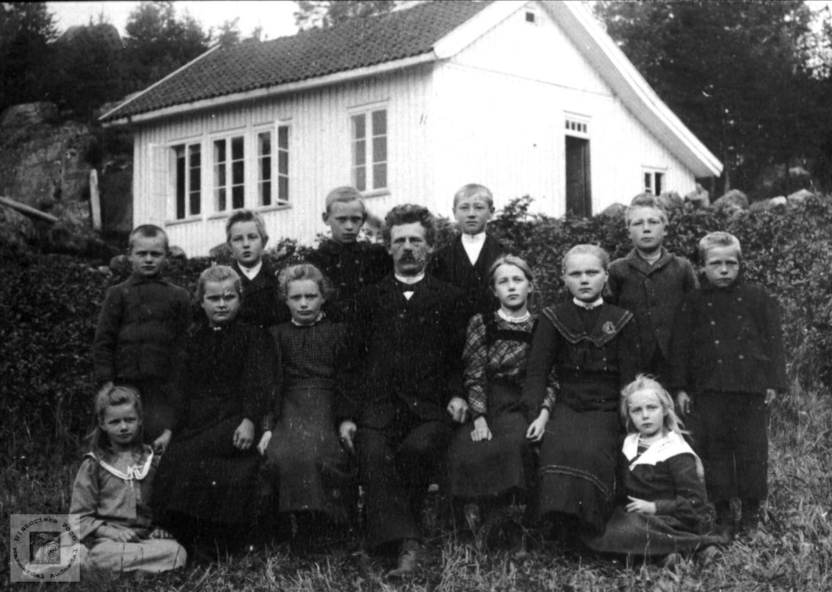 Klassebilde. Finsdal skole, Øyslebø.
