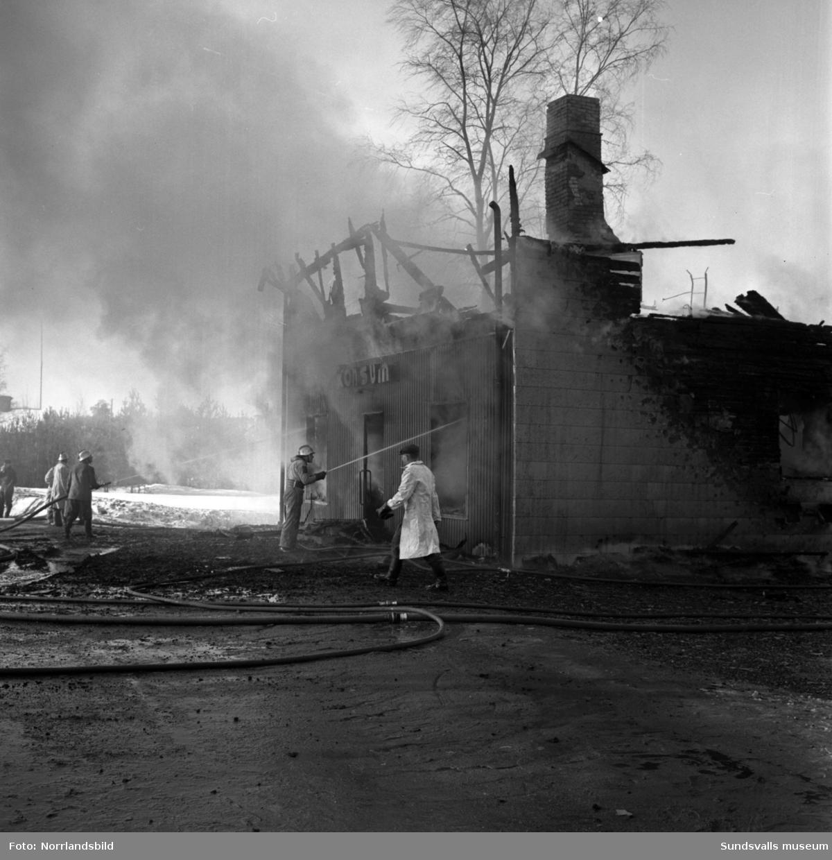 Brandkårsutryckning till Konsum i Stavreviken.