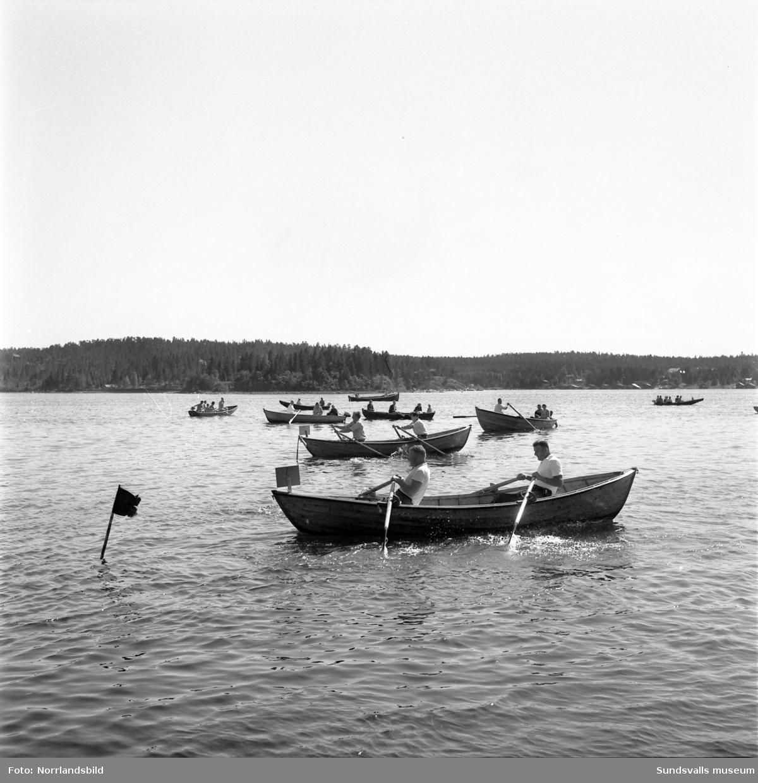 Fiskarfest med roddtävling i Juniskär.