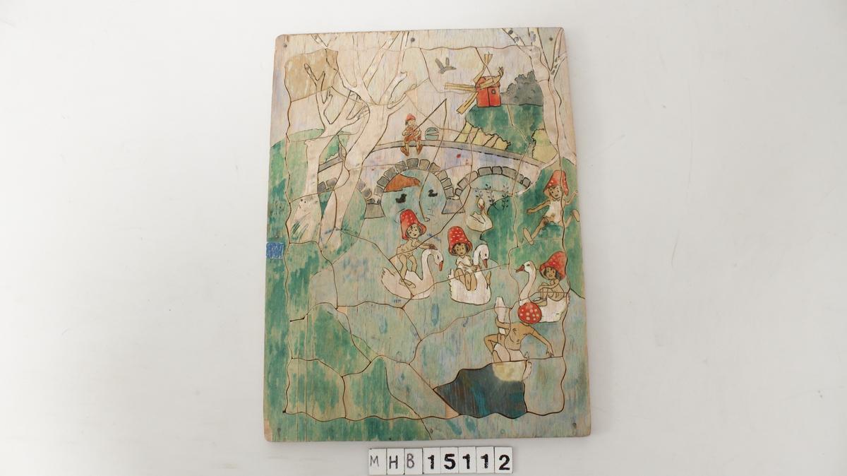 Motiv er trolig inspirert av Elsa Beskows eventyr: tomtebobarna.