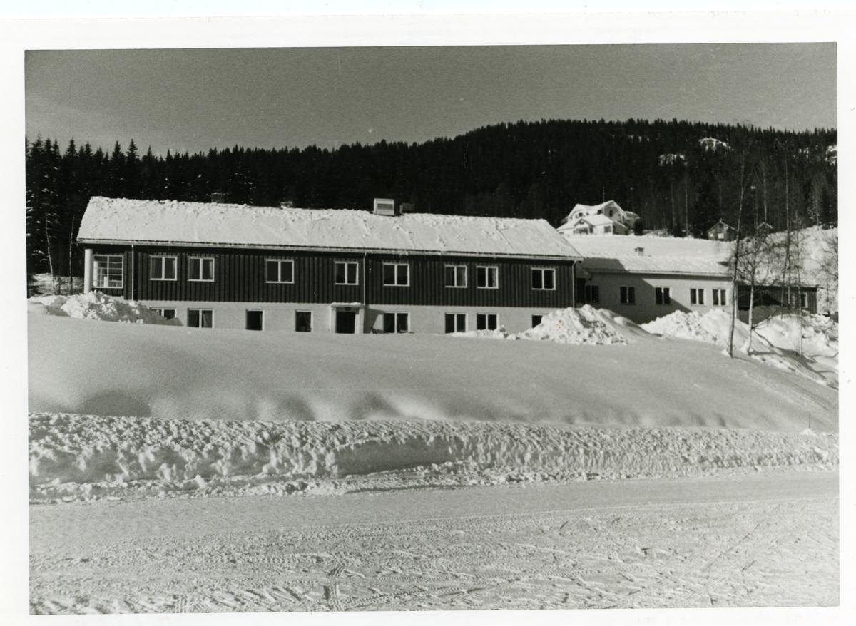 Gamleheimen med pleieheimen og fødestua i Bruflat,Etnedal i Valdres.