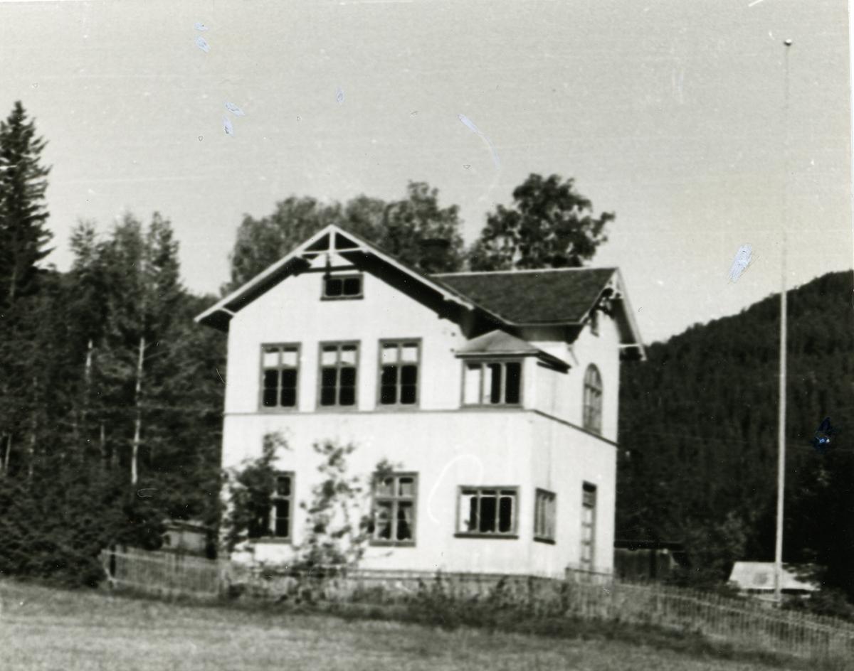 Garthus skule, Sør-Aurdal.