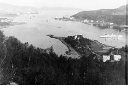 "Harstadbotn, Langnes og Gangsåsbotn. Hospitalskipet ""Viking"""
