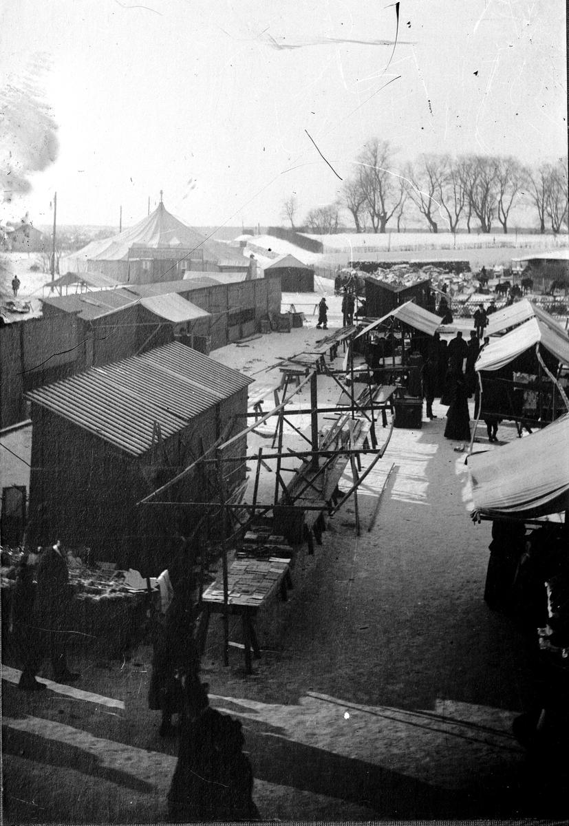 Torgbild i slutet av 1890-talet. Fotograf okänd Fotokopia finns.