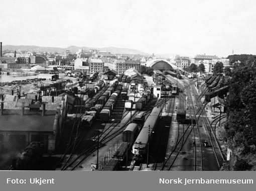 Bergen stasjon : oversiktsbilde fra Sejersberget tunnel