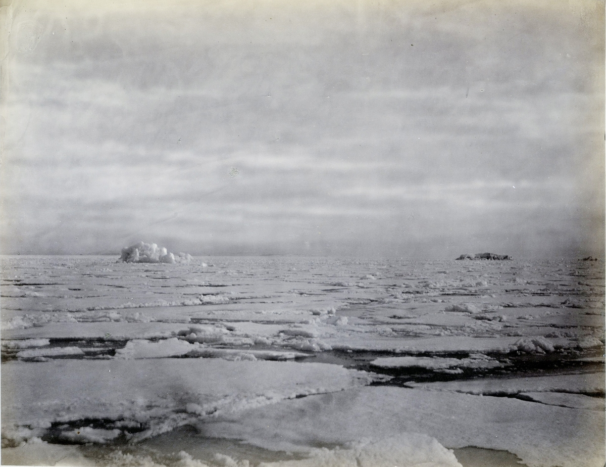 """The ice breaking up, Hinlopen Strait"""