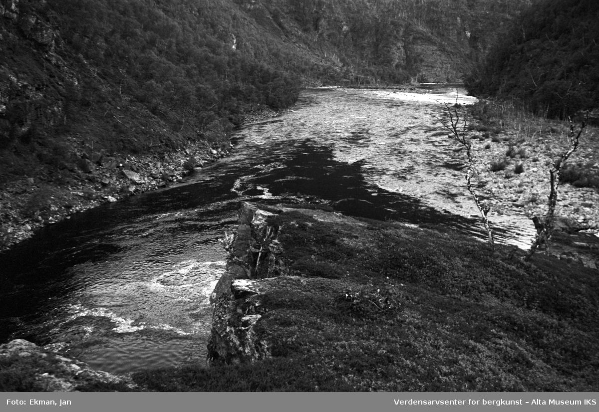 Landskap uten personer. Fotografert 1972. Fotoserie: Laksefiske i Altaelva i perioden 1970-1988 (av Jan Ekman).