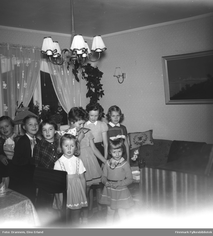 Sju jenter er invitert på Turid Lillian sin bursdag
