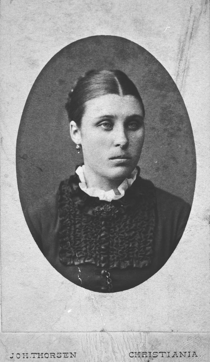 Jordmor Maren Aamodt. Hun bodde på Søndre Dæhli.