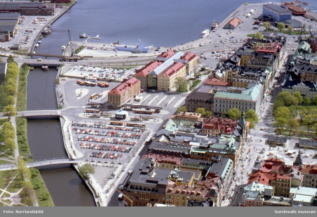 Flygfoton över centrala Sundsvall och Kulturmagasinet.